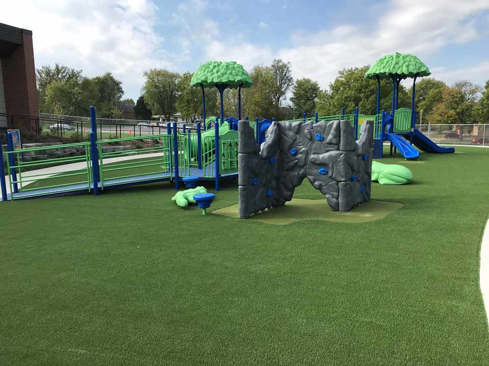 Playground Install in Mexico, MO - Oct-2017